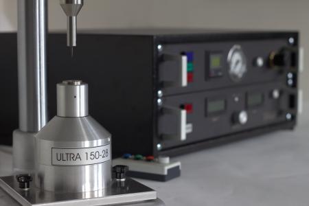 Ziehsteinaufnahme der Ultra 150 mit Fertignadelsonotrode für 28kHz